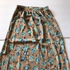 Not your normal floral midi skirt
